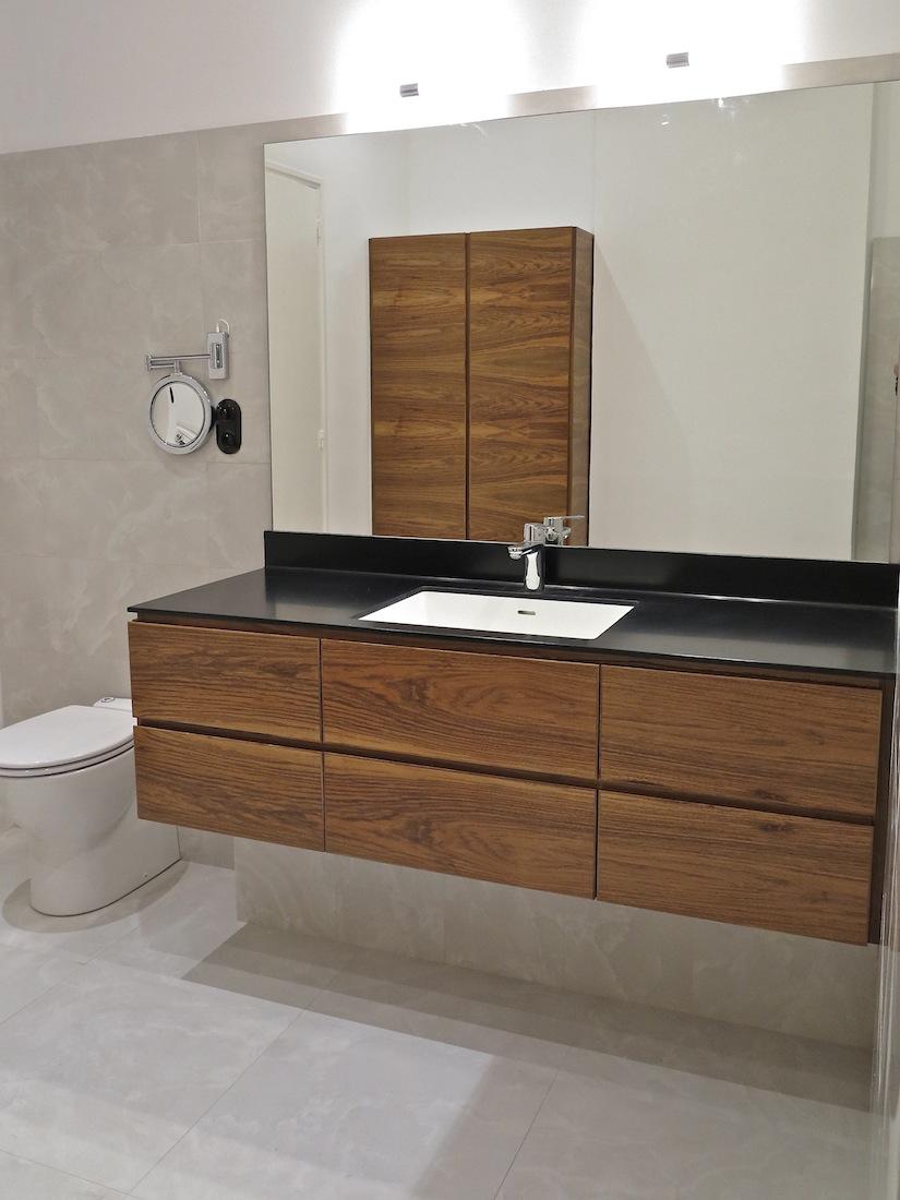 Meuble salle de bain corian merveilleux meuble lavabo for Double vasque salle de bain corian